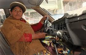 El atuendo tradicional de las indígenas bolivianas